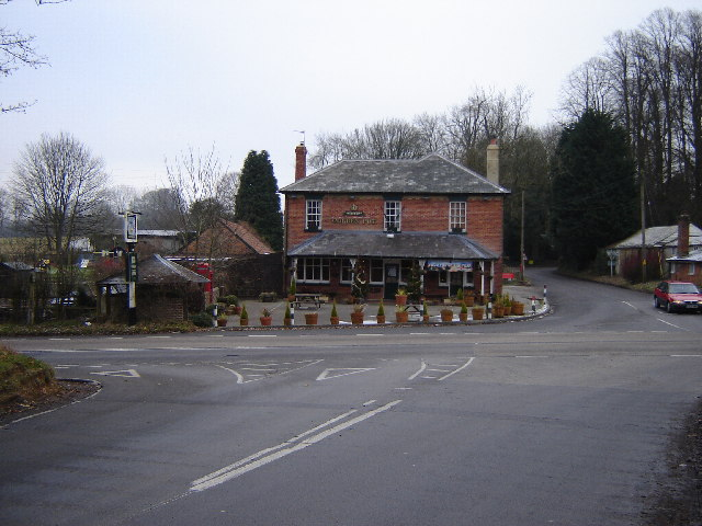 Golden Pot Pub, on B3349