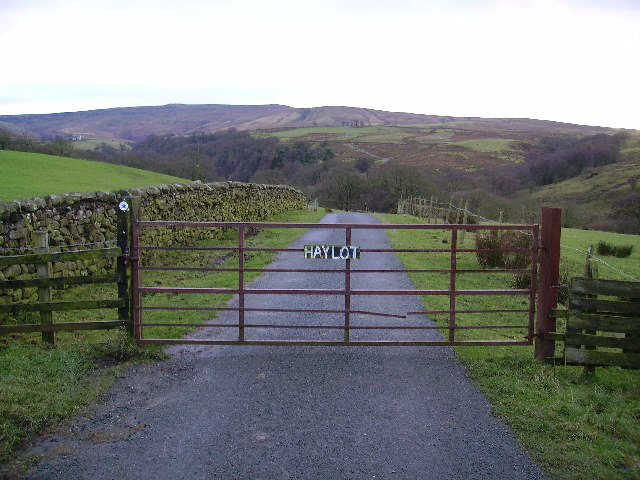Public Road to Haylot Farm