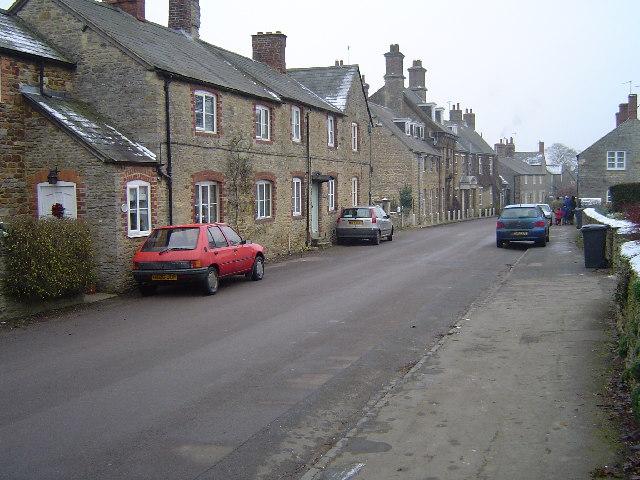 Main Street, Charlton
