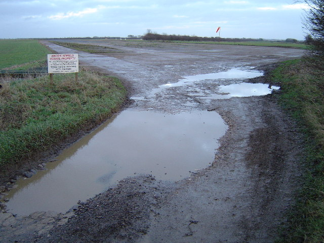 Hinton airfield, Hinton-in-the-Hedges