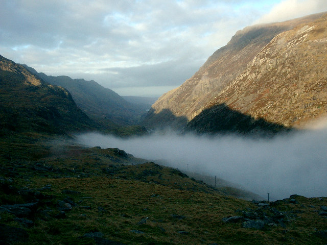 Low mist in the Llanberis Pass