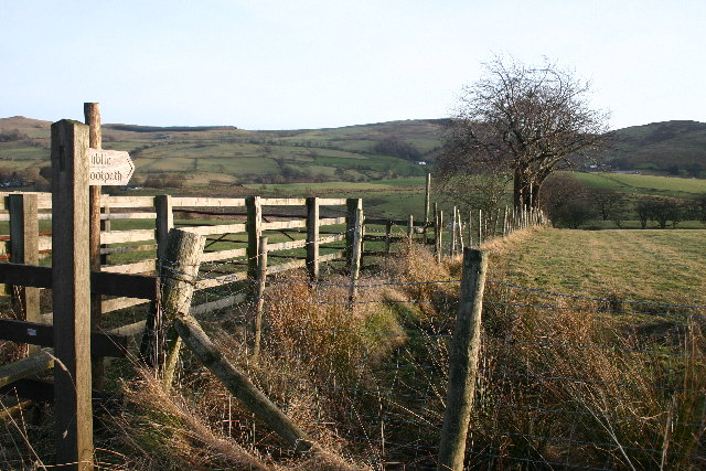 Footpath to Jennyhill