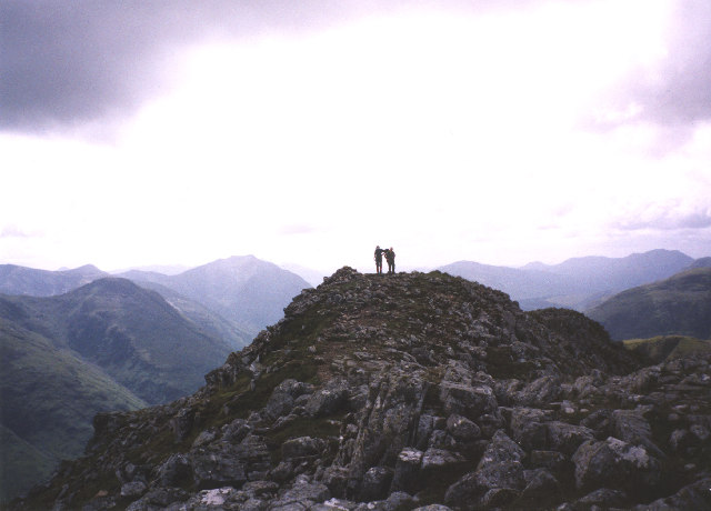the summit ridge of Stob Dubh