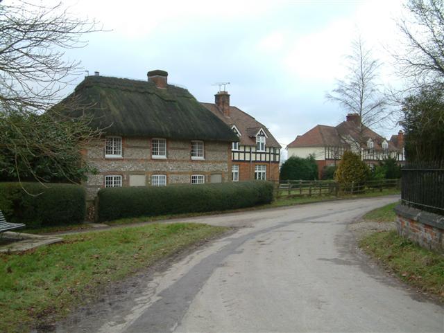 Cottages in Linkenholt