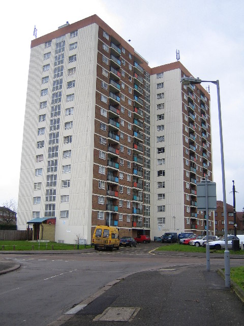 Luton: Acworth Court, Leagrave