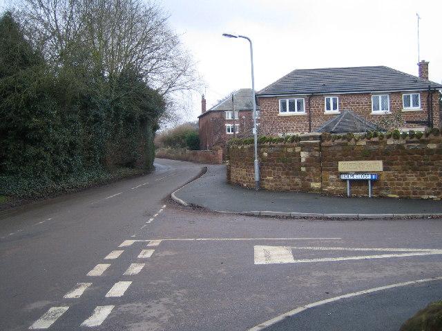 Nene Way and road through Upper Weedon