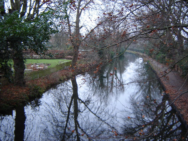 Basingstoke Canal near The Swan, Ash Vale