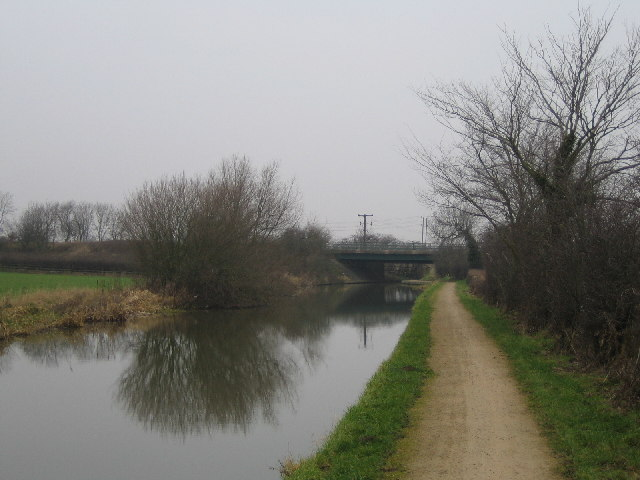 Gipsy Lane Bridge, Coventry Canal