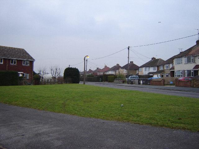 Carfax Avenue, Tongham