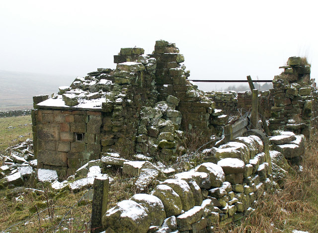 Ruined farm building, Blackshaw Head
