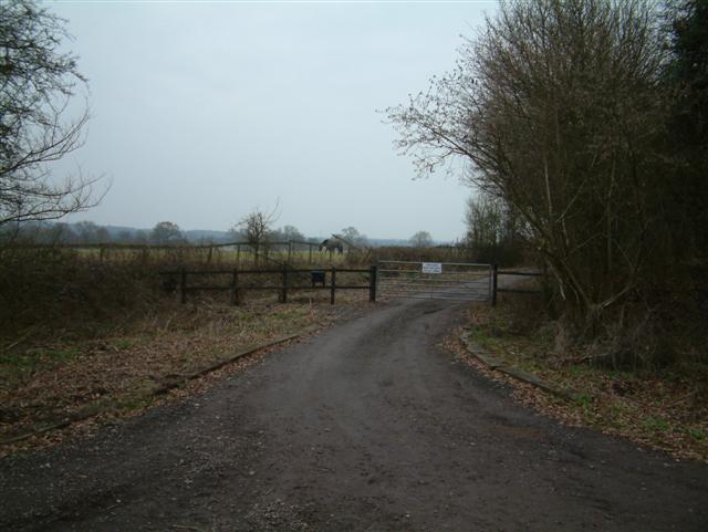Footpath to Blacklands Farm