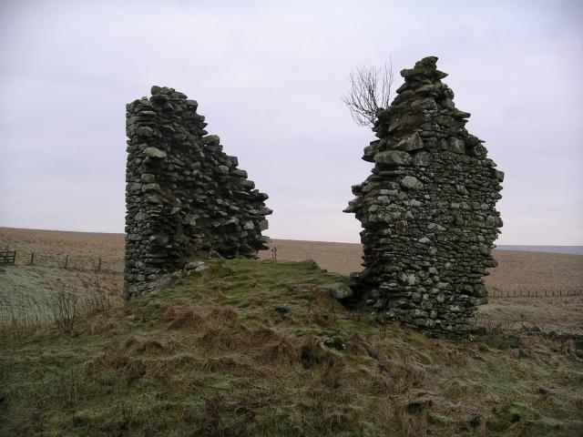 Gamelshiel Castle (remains of)