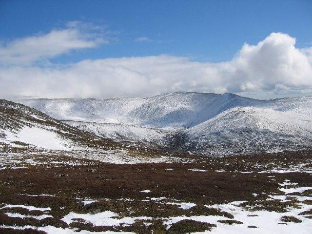 SE ridge of Carn nan Sac