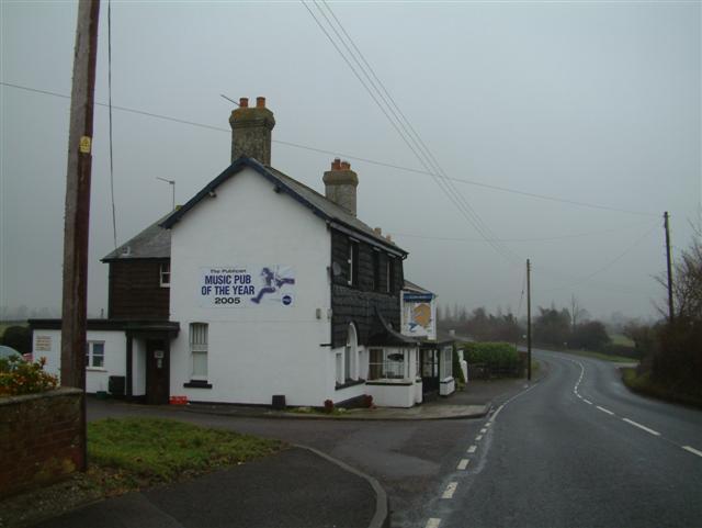 Riff's Bar, Public House