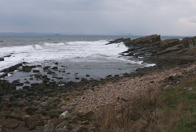 Rocky shore by the Pans