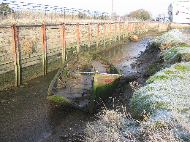 Abandoned fishing boat, Llannerch-y-Mor