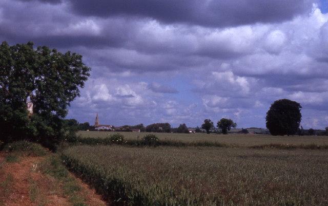 Field path near Braceborough