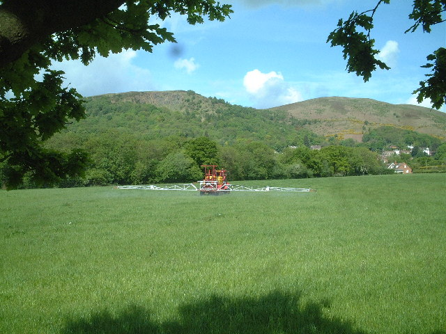 Crop Spraying near Mayall's Coppice