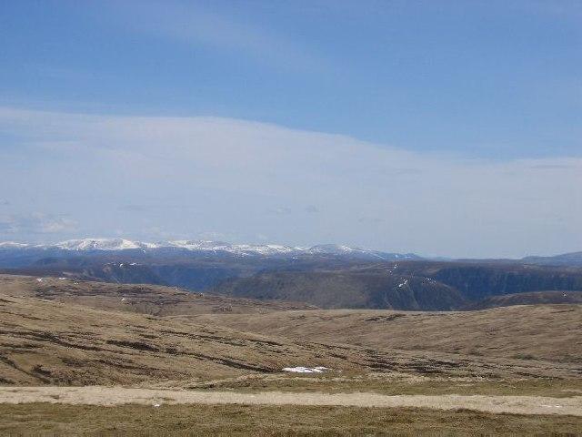 Looking east from A'Bhuidheanach Bheag