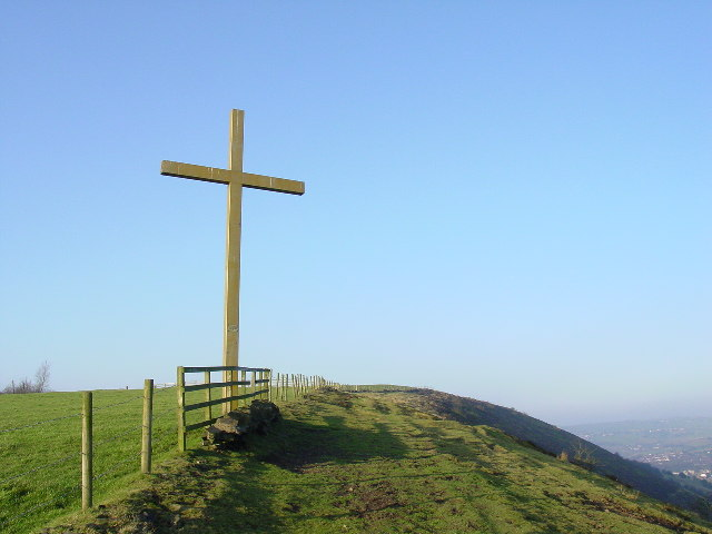 Cross on Brown Edge
