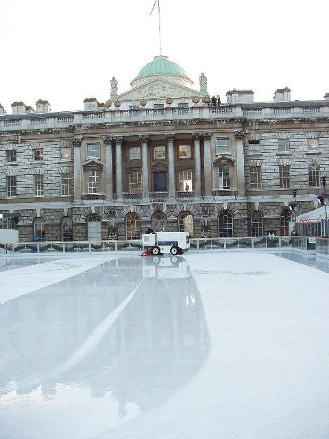 Ice rink surface preparation, Somerset House