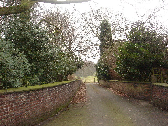Path into Hulton Estate from A6