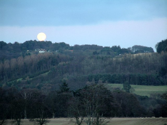 Moonrise over Blebocraigs