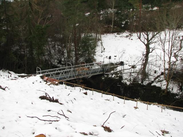Waterpipe footbridge