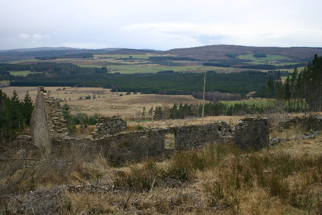 Derelict building on Hill of the Wangie