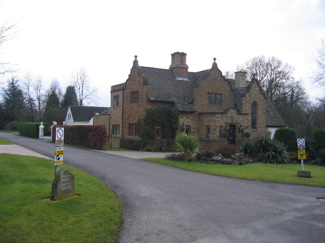 North Lodge, Moreton Paddox