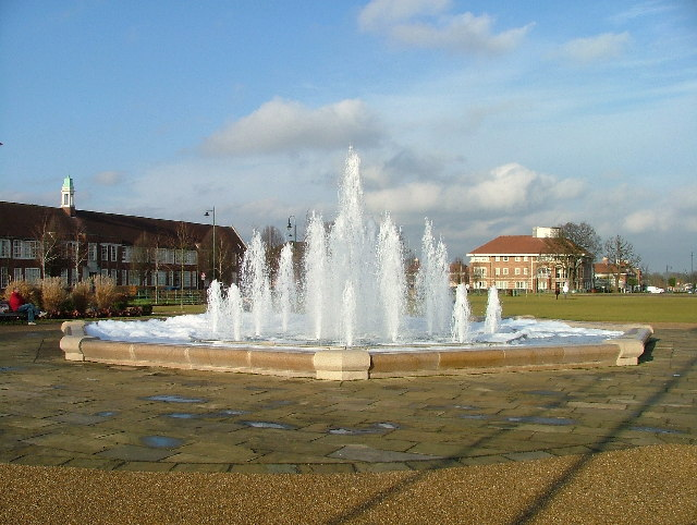 Fountain in Broadway Gardens.