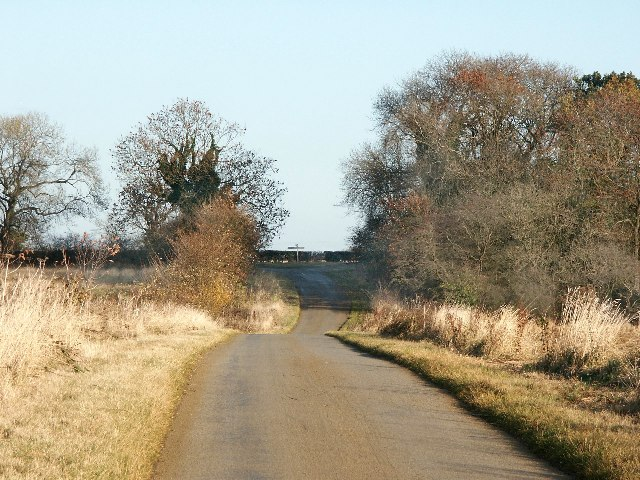 Road Junction east of Old Bolingbroke