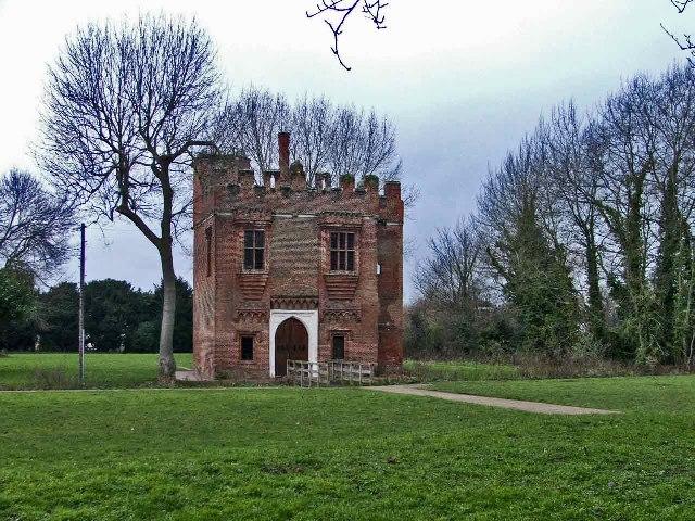 Rye House Gatehouse, Rye Road