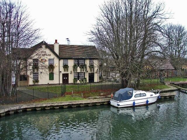 The Rye House public house, Rye House, Rye Road
