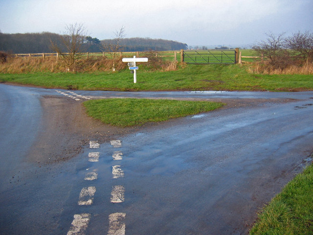Lowthorpe - Burton Agness Road Junction.