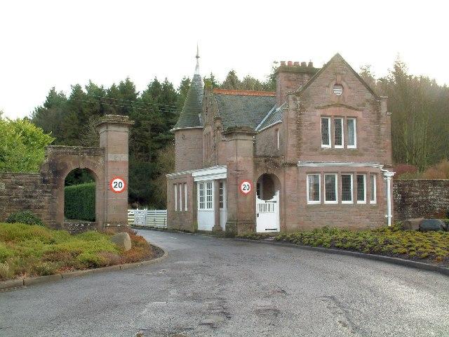 Craigton entrance