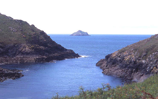 Entrance to Port Quin with The Mouls beyond