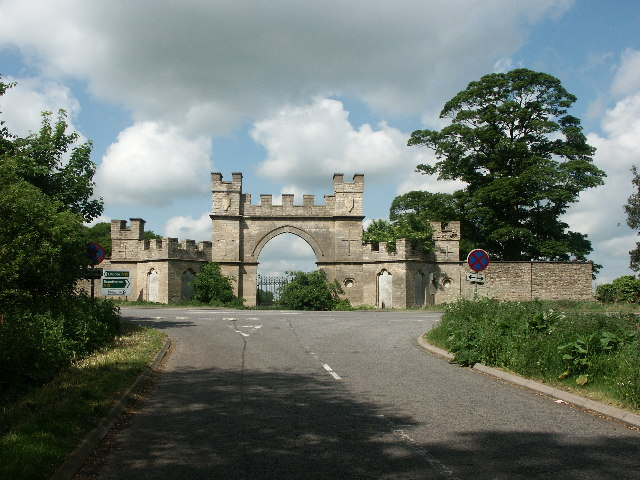 Former gateway to Fillingham Castle off the A15 north of Lincoln