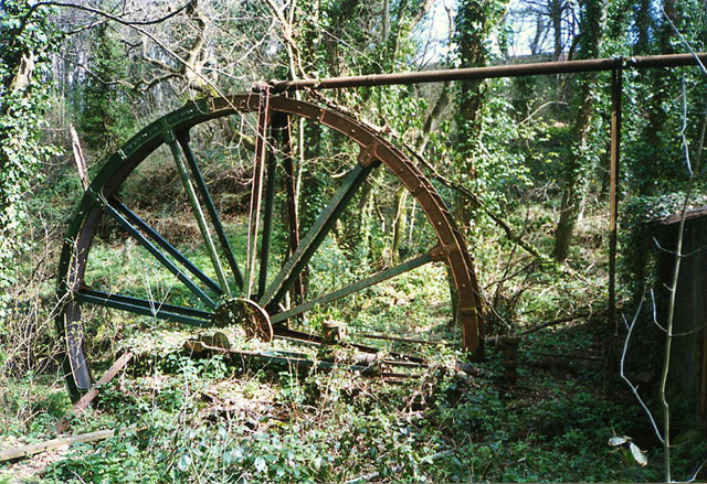 Mylor: waterwheel at Carclew