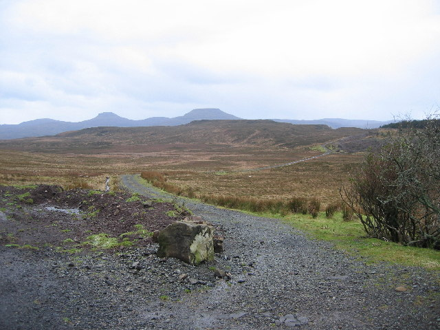Track to Dunvegan