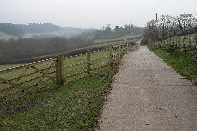 Entrance driveway leading Sydham