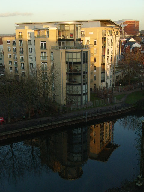 Modern flats next to the Kennet in Reading