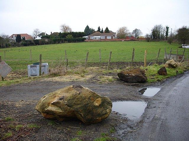 Sarsen stones on Pratling Street