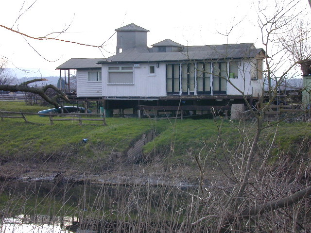 Weekend home at Almere Farm, Trevalyn Meadows