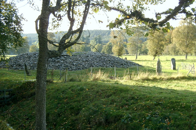 Corrimony Cairn from the road
