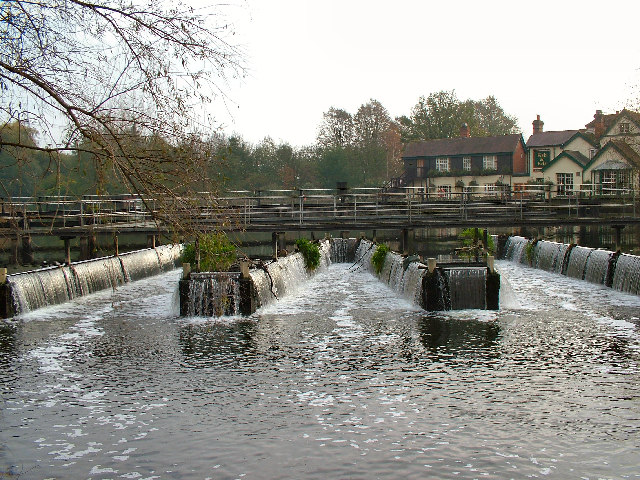 The Fish & Eels P.H. at Dobbs Weir