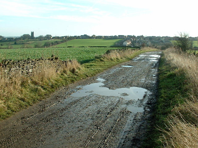 Broom Field Lane towards Emley