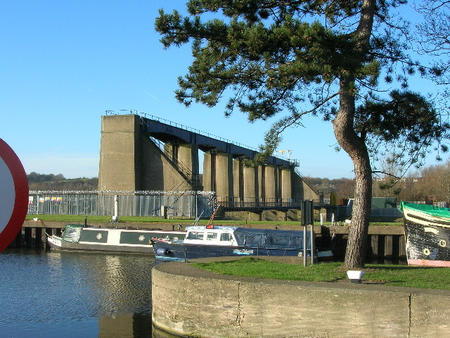 Colwick Sluices on the River Trent