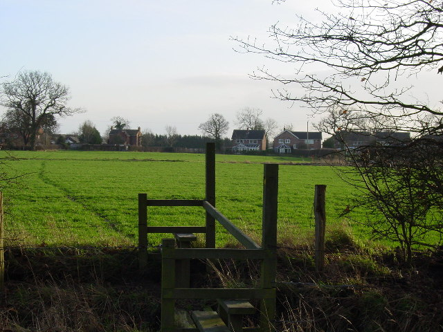 Footpath north of Lach Dennis