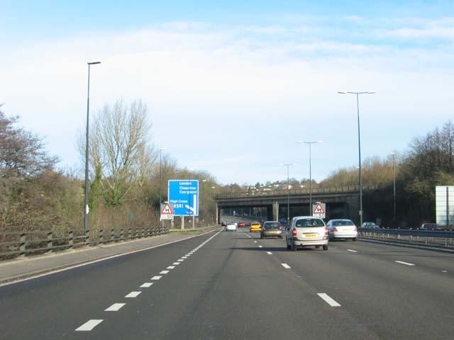 Railway bridge over the M4